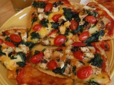 chicken tomato spinach pizza